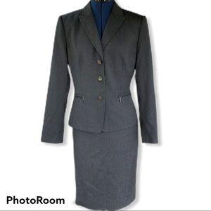 Tahari | Grey Business Skirt Suit
